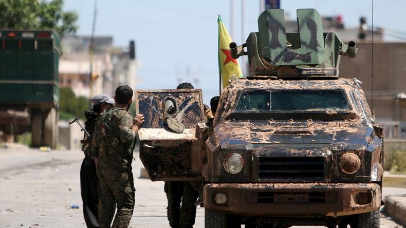 Kurden-Sprecher bestätigt: YPG-Miliz übergibt Tall Rifaat an syrische Armee