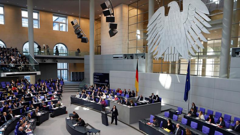 LIVE: 15. Bundestagssitzung - Elterngeld, Jemen, EU-Außenpolitik