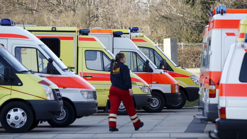 """Rettungskräfte beklagen Gewalt und fordern: """"Hände weg!"""""""