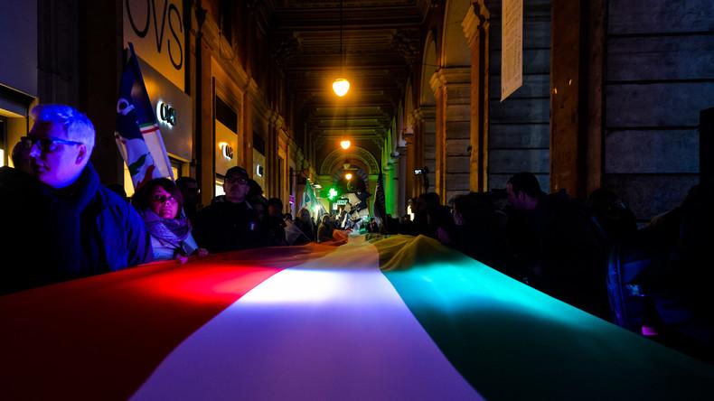 Zehntausende demonstrieren in Italien eine Woche vor der Wahl