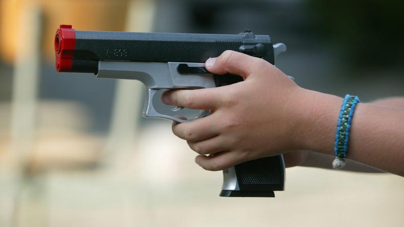Behörden der pakistanischen Provinz Sindh verbieten Spielzeugwaffen