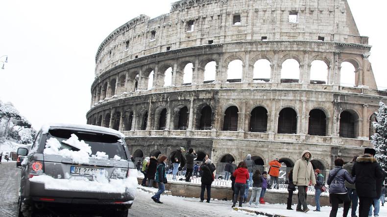 Rom in Weiß: Schneefall legt Leben in italienischer Hauptstadt lahm