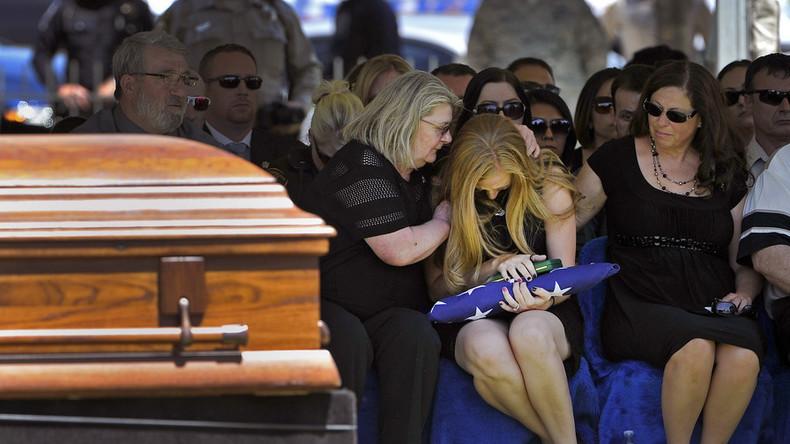 """Digitale Unsterblichkeit: Bestattungsinstitut will Tote mithilfe von KI-Chatbot """"wiedererwecken"""""""