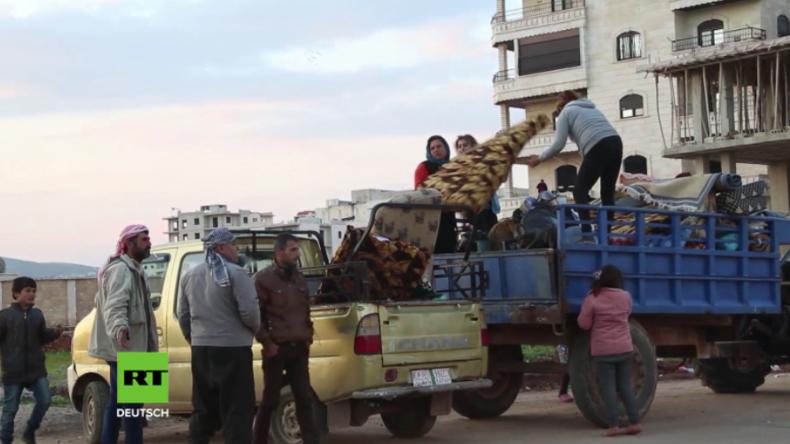 Syrien: Unzählige Menschen flüchten vor türkischen Bombardements nach Afrin