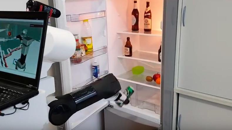Erfreuliche Nachricht für Faulenzer: Deutsche Entwickler lassen Roboter Bier aus Kühlschrank holen