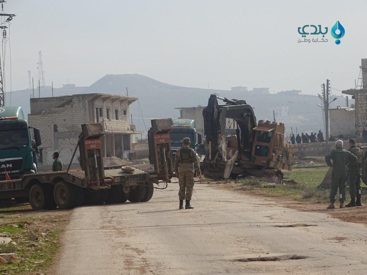 Syrien: Türkei schickt Militärkonvoi mit Dutzenden Panzerfahrzeugen in die Provinz Aleppo [Videos]
