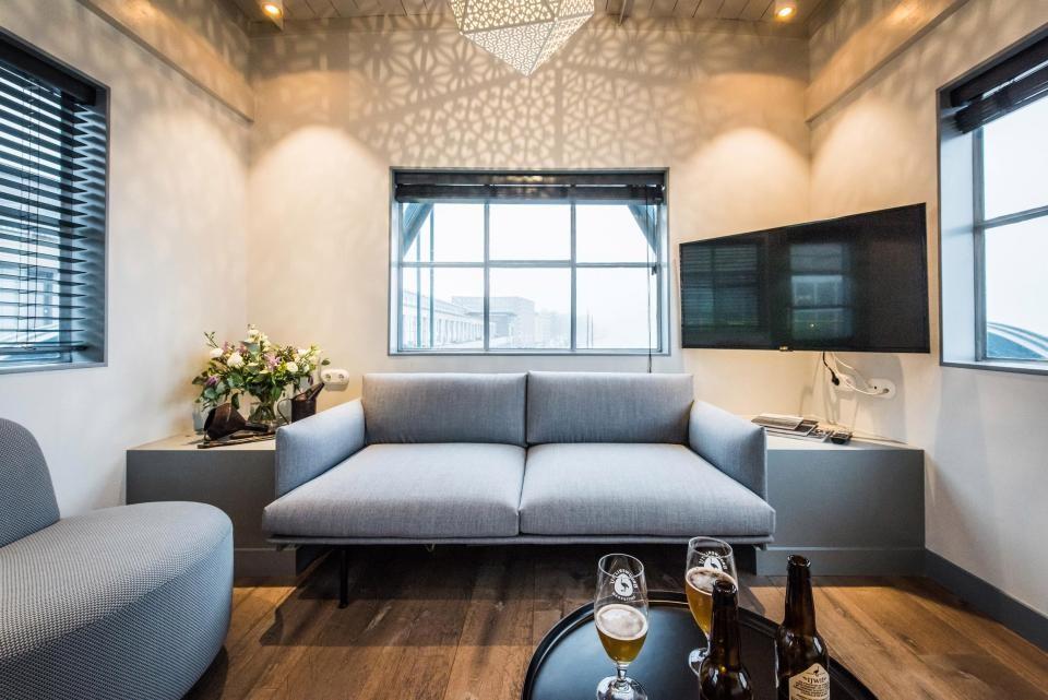 Alter Hafenkran in Luxuswohnung in Amsterdam umgewandelt