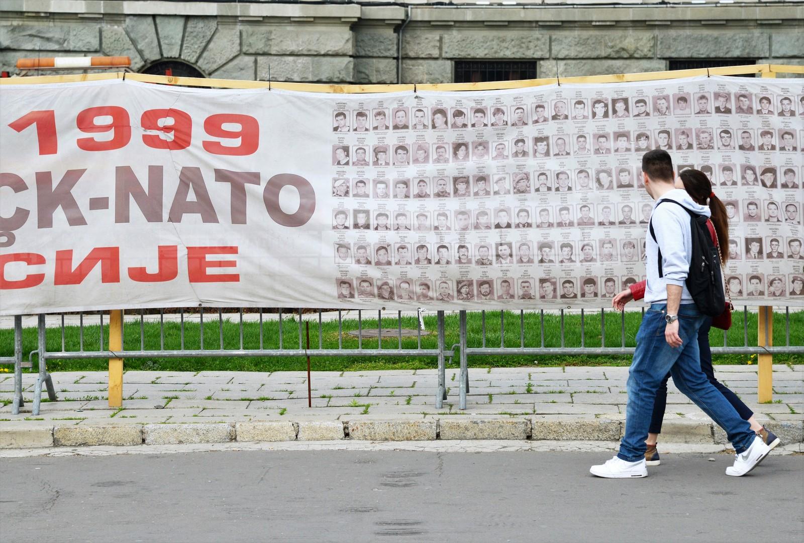 """NATO ist """"human und umweltfreundlich"""": Neue Charmeoffensive in der Ukraine gestartet"""