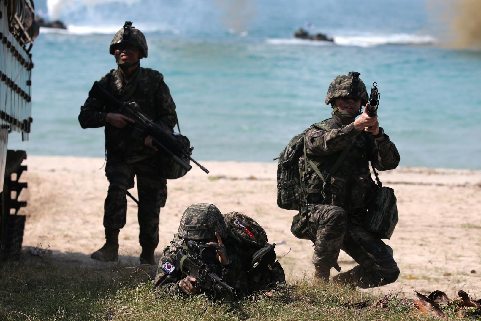 """Südkoreanische Soldaten nehmen an einer amphibischen Angriffsübung im Rahmen von """"Cobra Gold 2018"""" in der thailändischen Chonburi Provinz teil, 19. Februar 2018."""