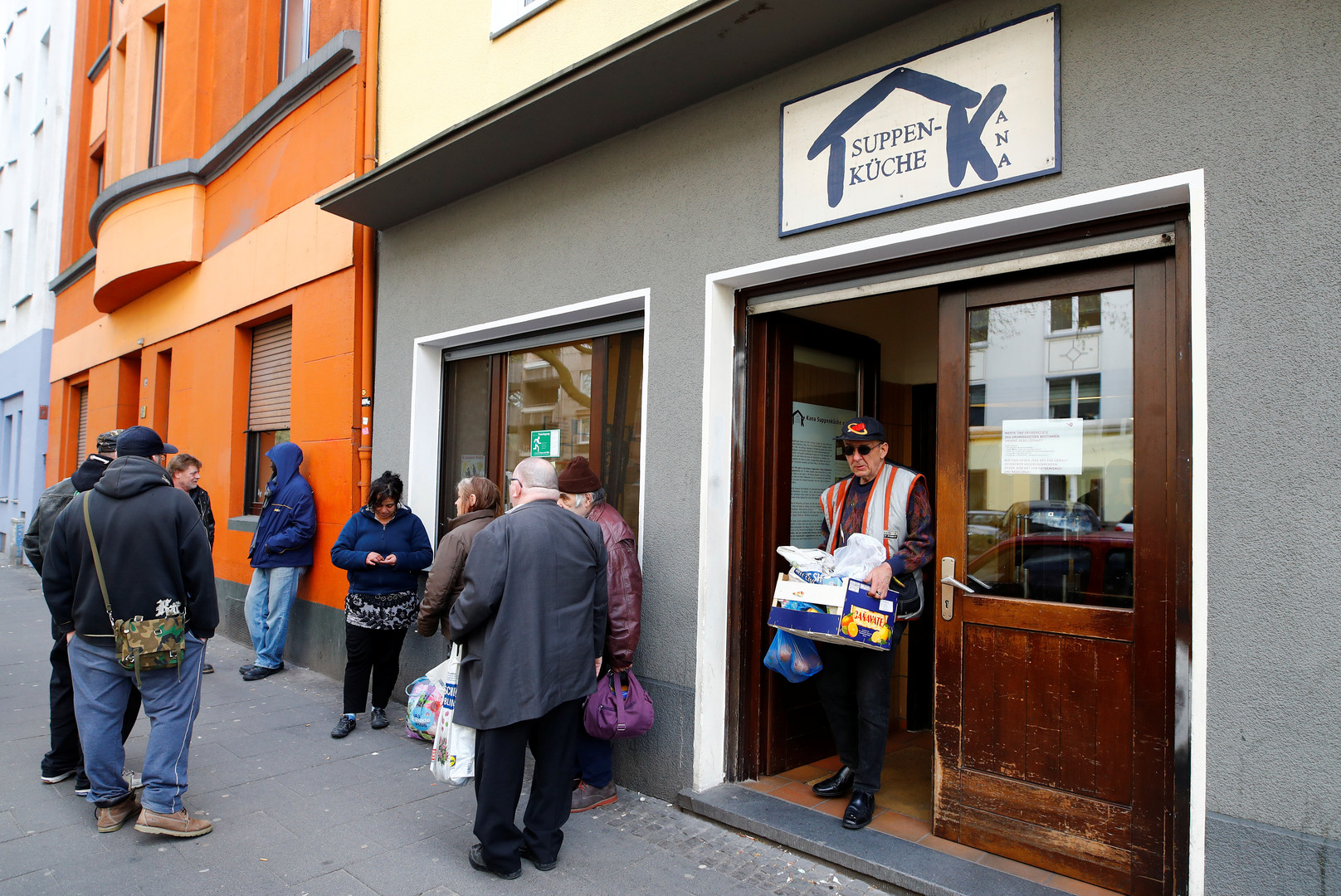 25 Jahre Armenspeisung in Deutschland – Das Geschäft mit den Tafeln ...