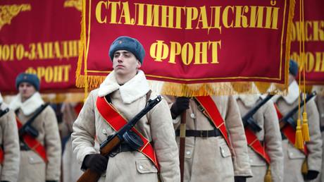 Die Teilnehmer der historischen Militärparade.