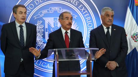 Der ehemalige spanische Premierminister José Rodríguez Zapatero, der Präsident der Dominikanischen Republik, Danilo Medina bestätigten, dass Venezuelas Opposition Verhandlungen blockiert. Santo Domingo, 7. Februar 2018.