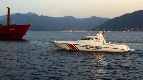 Türkisches Küstenwachboot rammt griechisches Patrouillenboot nahe der umstrittenen Inseln in Ägäis (Symbolbild)