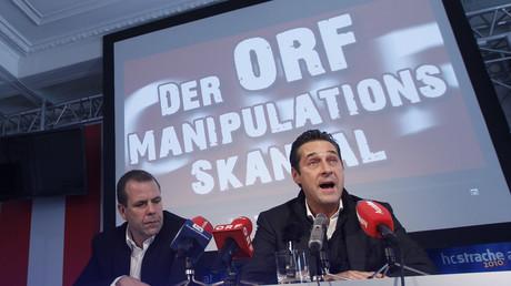 Bereits 2010 warfen der FPÖ-Chef Heinz-Christian Strache und der Generalsekretär Harald Vilimsky dem ORF Manipulationsmethoden gegen die Partei vor. Sie forderten damals auch den Rücktritt des ORF-Generaldirektors und tiefgreifende Reformen des Senders.