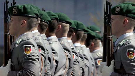 Das Heer ächzt trotz wachsenden Budgets unter materiellen und personellen Unwägbarkeiten. Auf der Münchener Sicherheitskonferenz wurde eine düstere Lage in der Welt gezeichnet. Ein guter Zeitpunkt, um Gelder für die Armee einzuwerben.