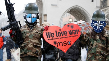 Gegen die Münchener Sicherheitskonferenz (MSC) gingen am Wochenende tausende Menschen in der bayrischen Landeshauptstadt auf die Straße.