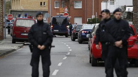 Niederländische Polizei in Aalsdorf nahe Aachen, 17. November 2015.