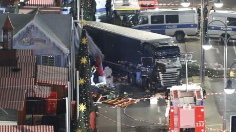 Terroranschlags auf dem Berliner Weihnachtsmarkt am Breitscheidplatz 2016. Zwölf Menschen wurden getötet. Im Abschlussbericht des Sonderermittlers wurde besonders die Berliner Kriminalpolizei kritisiert. Schwere Versäumnisse wurden ihr vorgeworfen.