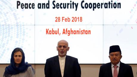 Der afghanische Präsident Aschraf Ghani, der indonesische Vize-Präsident Muhammad Jusuf Kalla and die afghanische First Lady Rula Ghani bei der Sicherheitskonferenz in Kabul, Afghanistan, 28. Februar 2018.
