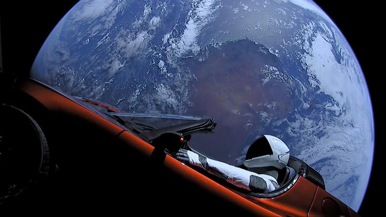 Blinde Passagiere an Bord: Roter Tesla gefährdet Leben auf dem Mars