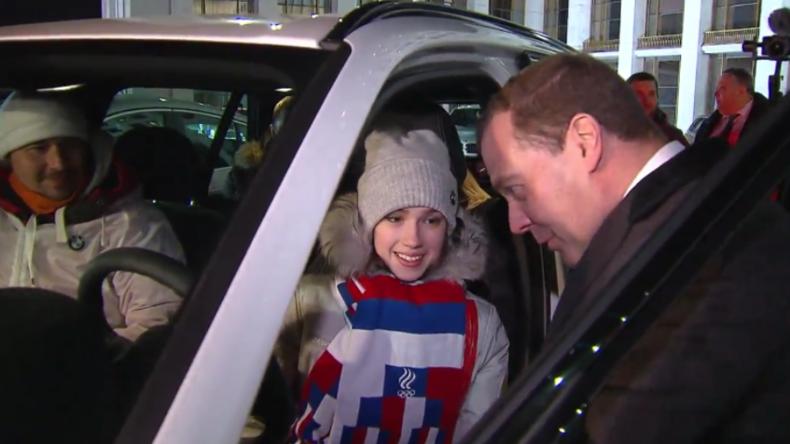 Moskau: Für jeden einen brandneuen BMW - Medwedew beschenkt die Olympia-Medaillengewinner