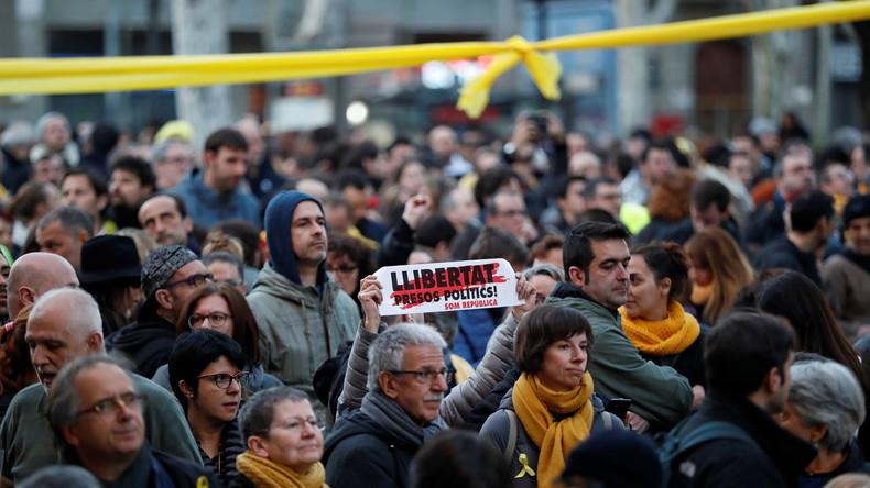 Russische Einmischung in Katalonien: Spaniens Regierung legt keine Beweise vor (Video)