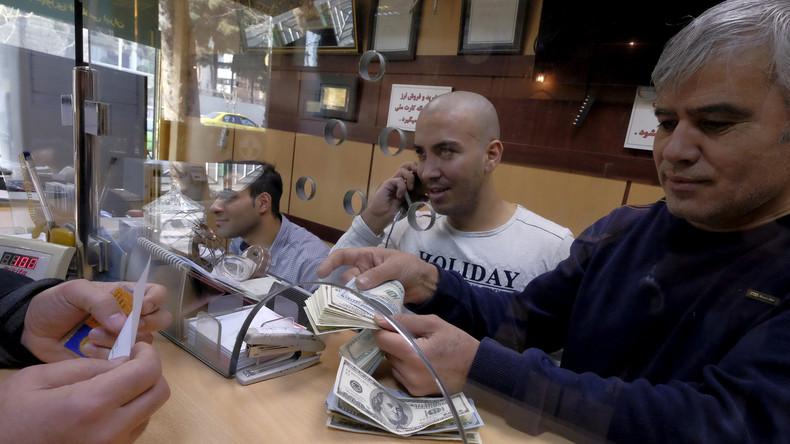 """""""Marktschwankungen entgegenwirken"""": Iran stoppt Handel mit US-Dollar"""