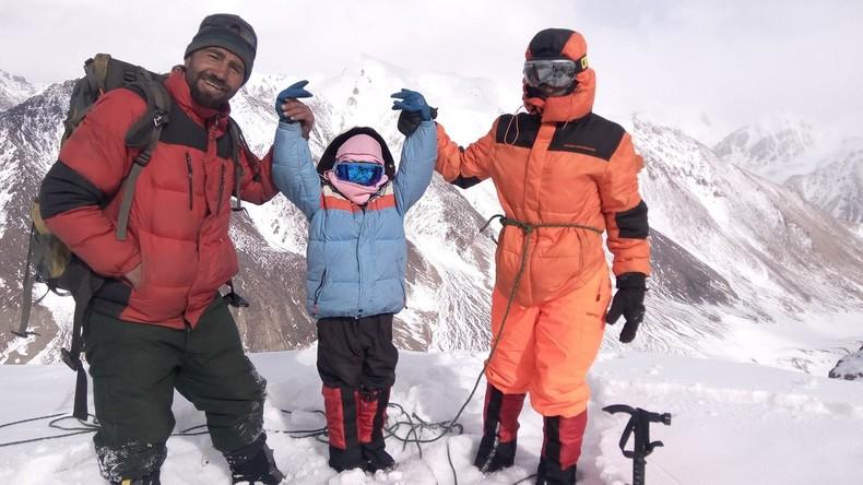 Bergprinzessin stellt Rekord auf: Pakistanerin besteigt Fünftausender mit neun Jahren