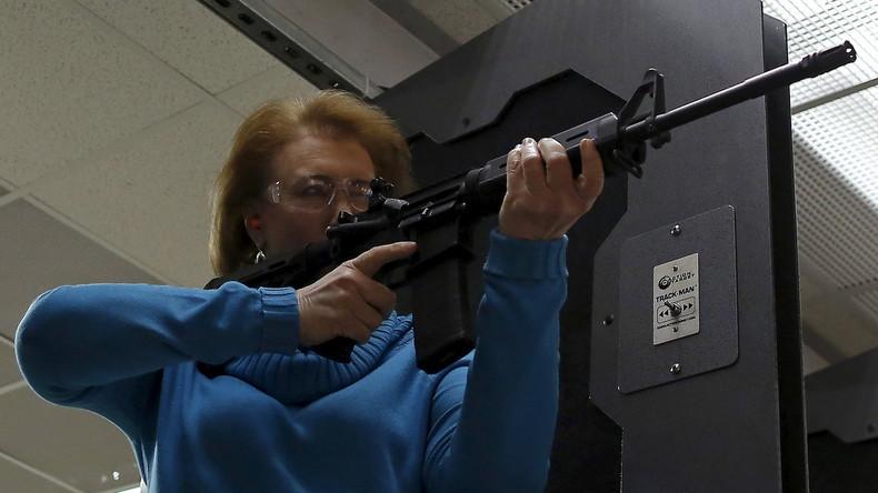 Senat von Florida verhängt Verkaufsverbot für AR-15-Gewehre und hebt es 15 Minuten später wieder auf