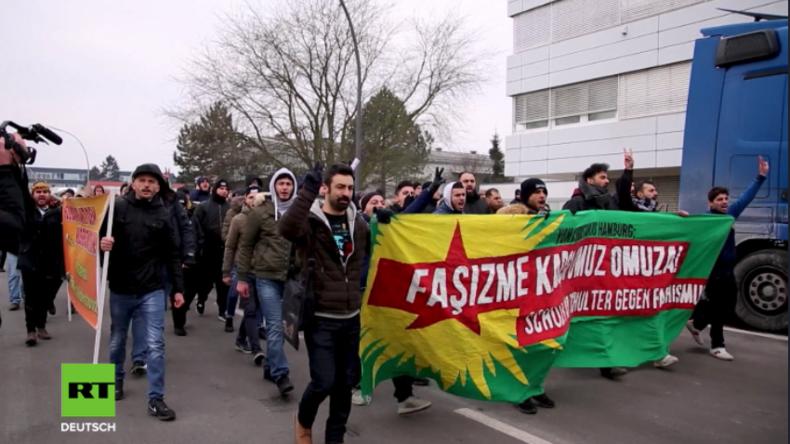 Hamburg: Antifa und Kurden protestieren gegen Kulturfest der nationalistischen Grauen Wölfe