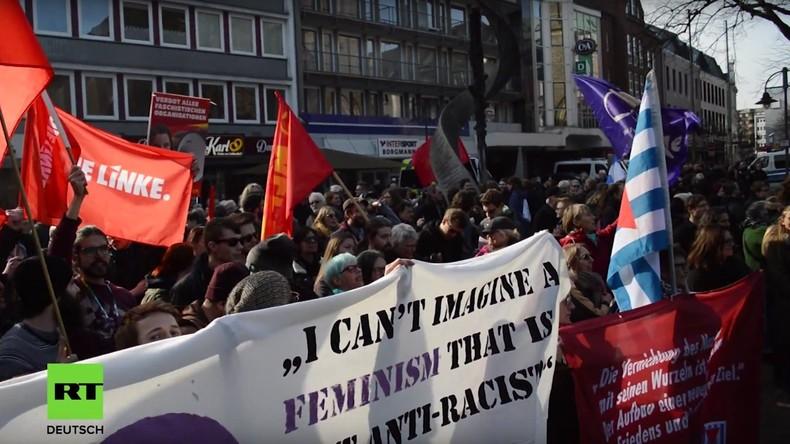 """Bottrop: """"Mütter gegen Gewalt""""-Veranstaltung löst Gegenproteste aus"""
