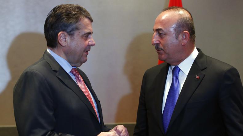 Treffen mit Gabriel: Türkischer Außenminister Cavusoglu besucht erneut Deutschland