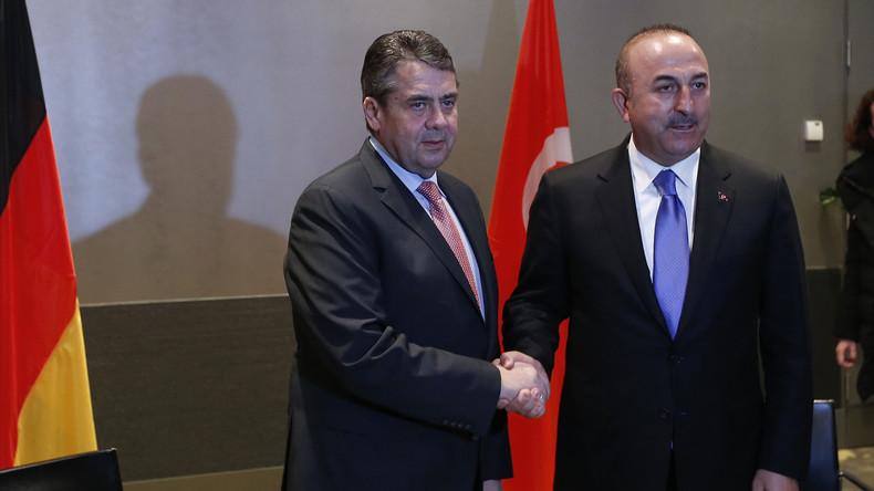 LIVE: Außenminister Gabriel und sein türkischer Amtskollege Cavusoglu geben Erklärung ab