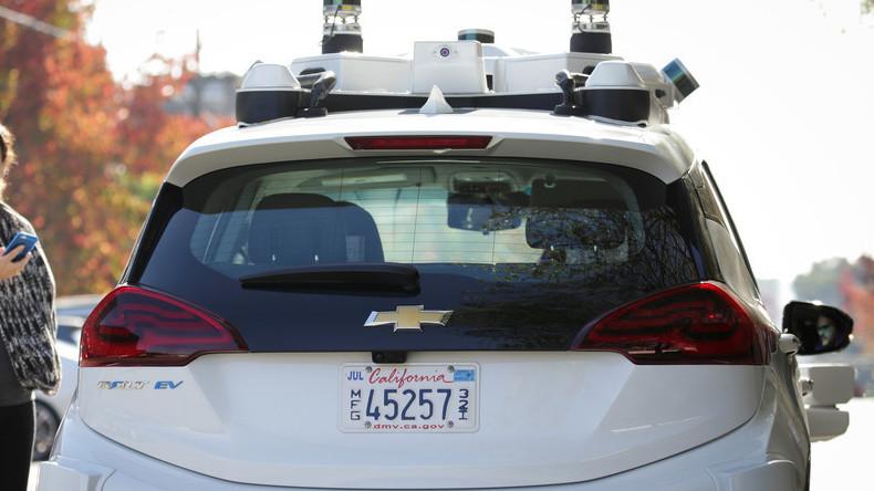 Maschinenstürmer in Kalifornien: Fußgänger greifen autonome Autos an