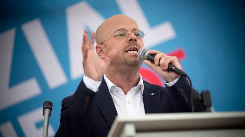 Medienbericht: Brandenburgischer AfD-Chef besuchte verfassungswidrige Organisation