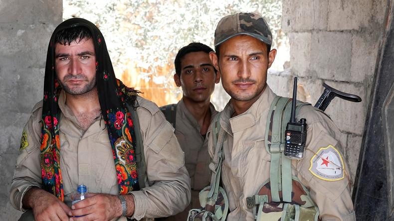 """Zwischen den Fronten: """"USA haben den Kurden nichts zu bieten, außer endlose und blutige Konflikte"""""""