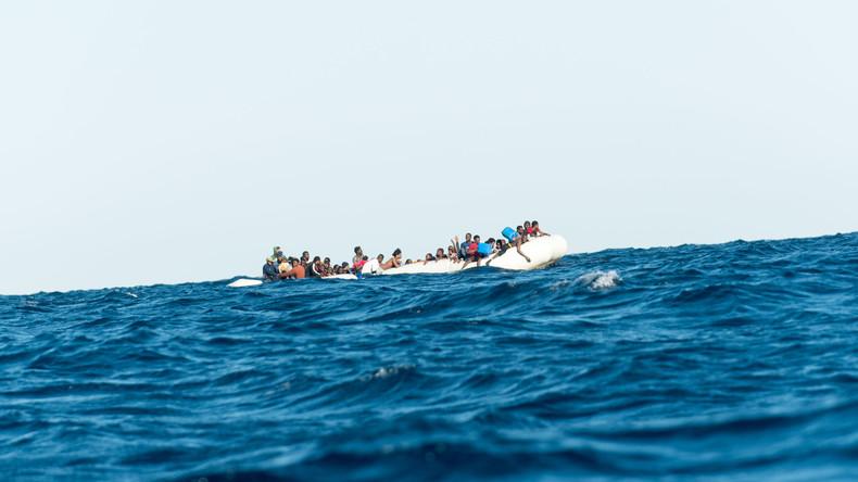 Libysche Küstenwache rettet 125 Migranten in Seenot