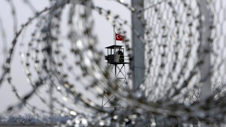 Tausende Griechen fordern von Ankara Freilassung zweier verirrter Soldaten