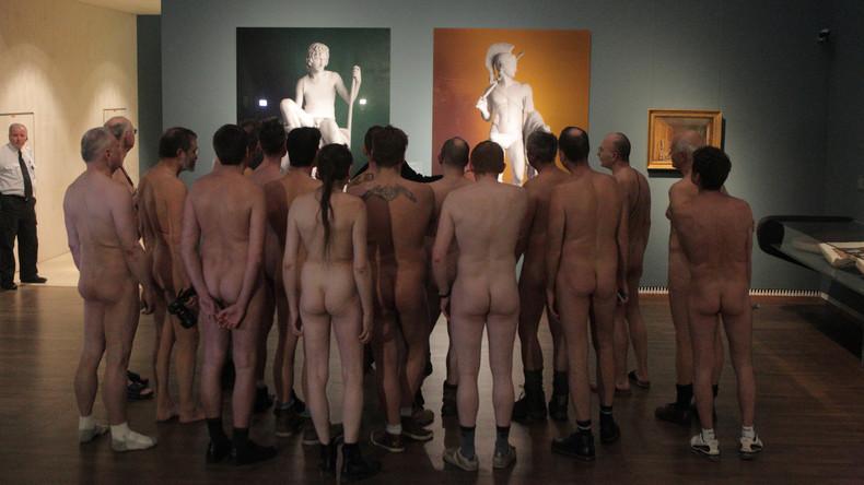 Wie Gott sie geschaffen hat: Pariser Museum für moderne Kunst lädt nackte Kunstliebhaber ein