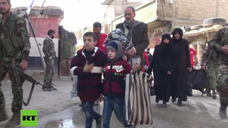 Ost-Ghuta: Dutzende Zivilisten fliehen über Fluchtkorridor der Regierung aus Islamisten-Gebieten