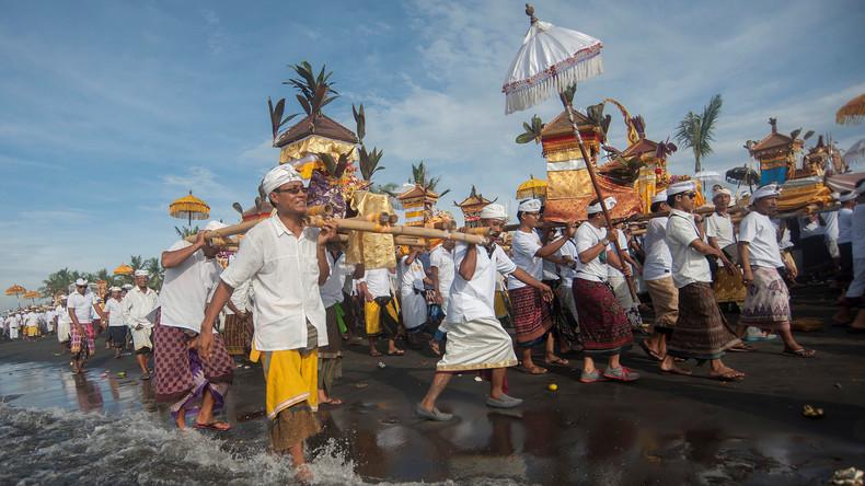 Tag der Stille: Bali schaltet aus religiösen Gründen mobiles Internet ab