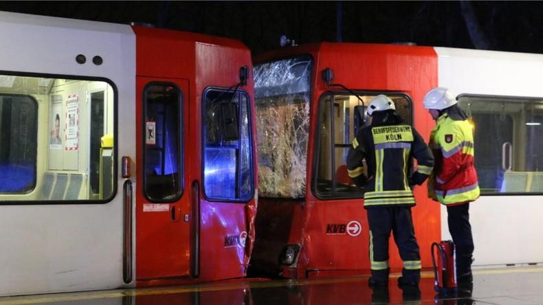 43 Verletzte bei Straßenbahn-Unfall in Kölner Innenstadt - Fahrer wohl alkoholisiert