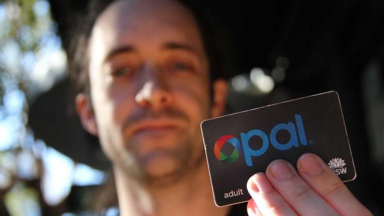 Australischer Wissenschaftler pflanzt sich gültigen Fahrkarten-Chip ein – Strafe wegen Schwarzfahrt