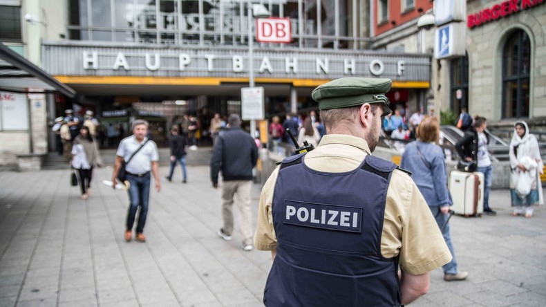 Polizist aus Bayern geht zum Zahnarzt und nimmt Einbrecher fest