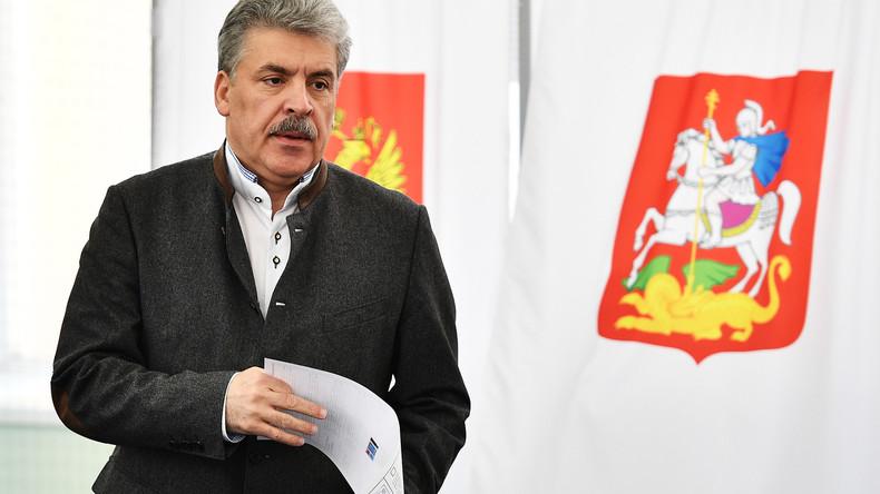 LIVE: KPRF-Präsidentschaftskandidat Pawel Grudinin tritt vor Presse