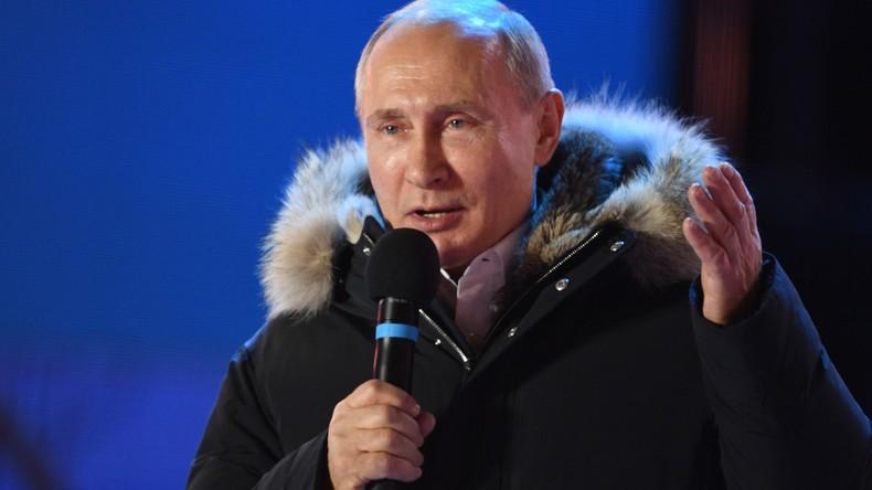 Putin bedankt sich bei Wählern im Zentrum von Moskau, wo Tausende Russen sein Wahlergebnis feiern