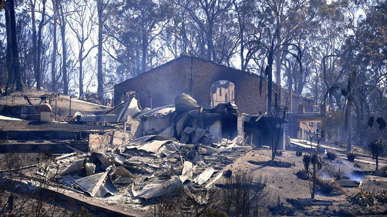Über 70 Häuser in australischer Küstenstadt durch Feuer zerstört
