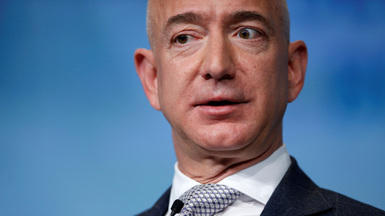 Widerstand gegen Ehrung von Amazon-Chef  Bezos durch Springer-Verlag