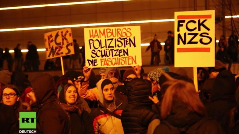 """Zusammenstöße nach Demonstration """"Merkel muss weg"""" in Hamburg"""