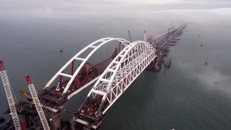 Deutlich früher als geplant: Krim-Brücke soll im Mai für den Autoverkehr geöffnet werden